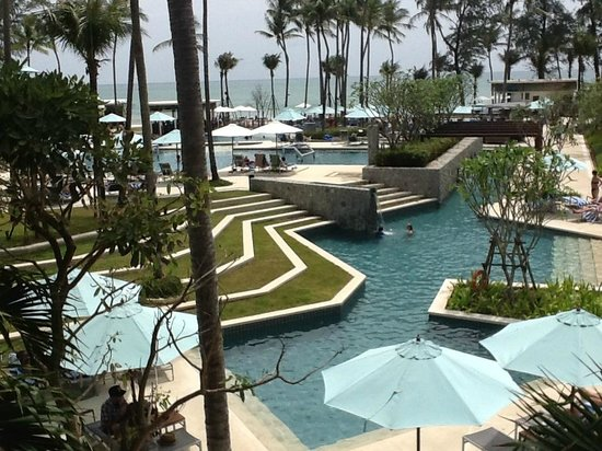 Outrigger Laguna Phuket Beach Resort: Pool Area - Outrigger Phuket
