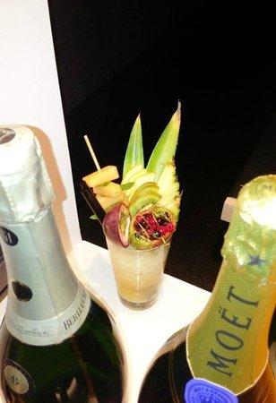 Mood Lounge Bar & Restaurant: Art Drink,,
