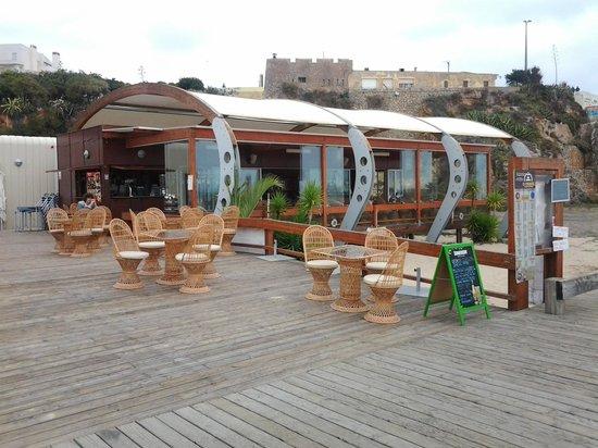 Restaurante O Farol : Das Restaurant an der Strandpromenade unterhalb des früheren Klosters