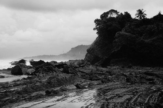 Costa Paraiso : rocky beach at hotel