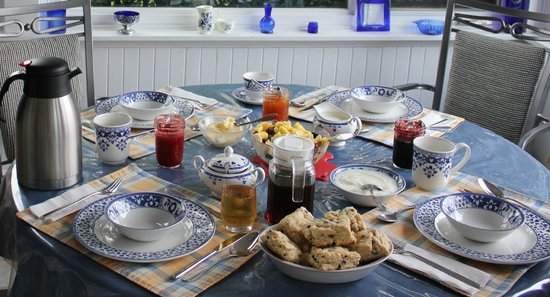 Magnetic Hill Bed and Breakfast: Breakfast