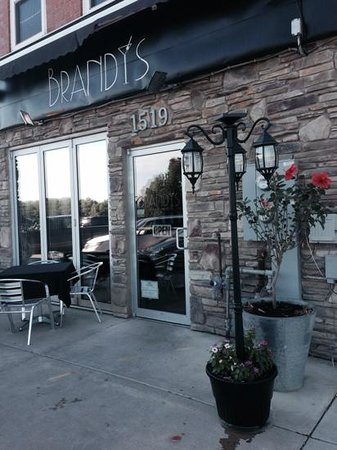 Brandy's Fine Food and Cocktails: Restaurant facade