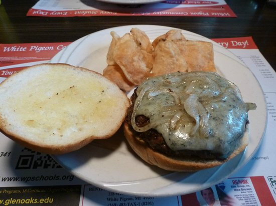 The In-Between Restaurant: Bleu Cheese Grilled Onion Burger