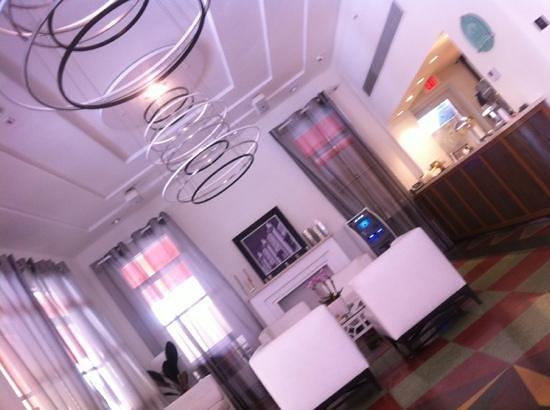 Room Mate Waldorf Towers: Reception Lobby area