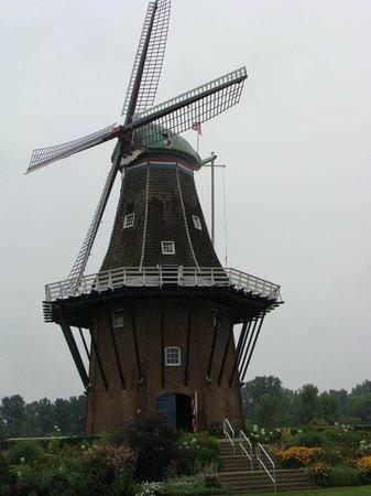 Windmill Island Gardens: De Zwaan Windmill - Windmill Island, Holland, MI