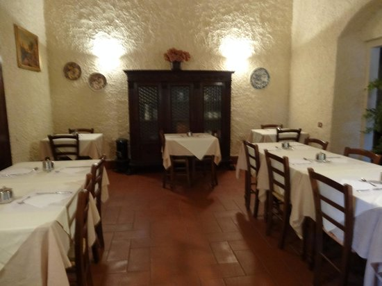 Relais Fattoria Valle in Panzano : The dining room