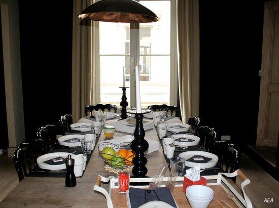 Le Vaudeville - Chambres d'Hotes : Salle à manger