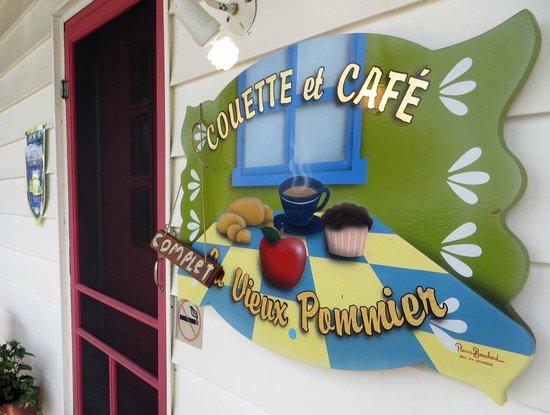 Front of Gite aux Vieux Pommiers