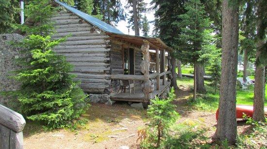 Caverhill Fly Fishing Lodge: Cabin