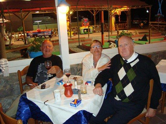 Lemonia Taverna: Good food and service