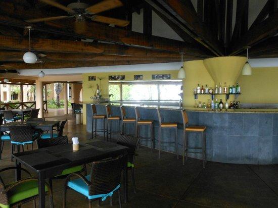 Sugar Beach Hotel: Beautiful open air restaurant with amazing view