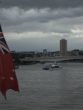 Park Regis North Quay Hotel: Park Regis from The  Brisbane River