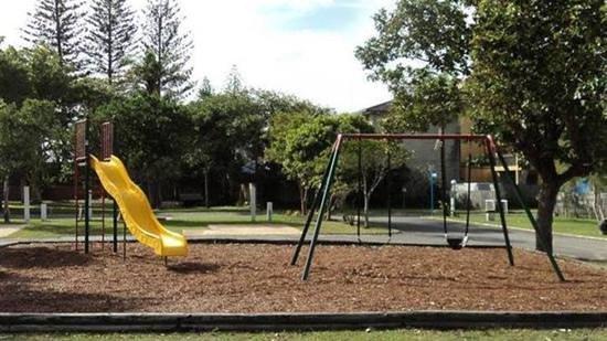 Palm Beach Mobile and Tourist Park: kids play ground