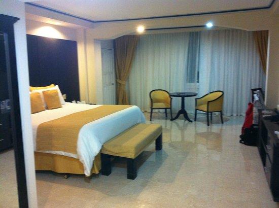 Hotel El Panama: Nice room