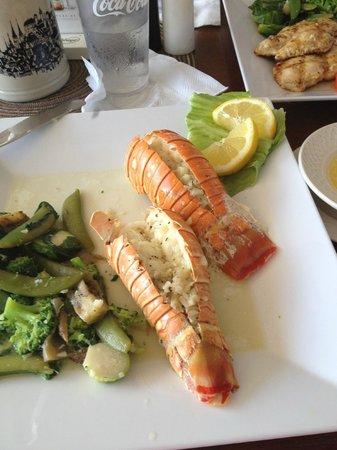 Edelweiss Grill & Bar : Wonderful lobster tails!!!