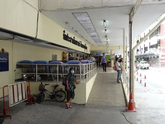 マクドナルドもあり - Picture of Siriraj Medical Museum, Bangkok ...