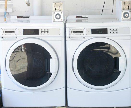 Gonow Family Backpacker : Laundry Room