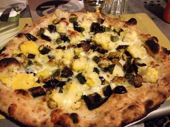 Pizzeria Donna Stella: Inserisci didascalia