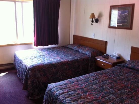 Soda Butte Lodge: wonderful beds