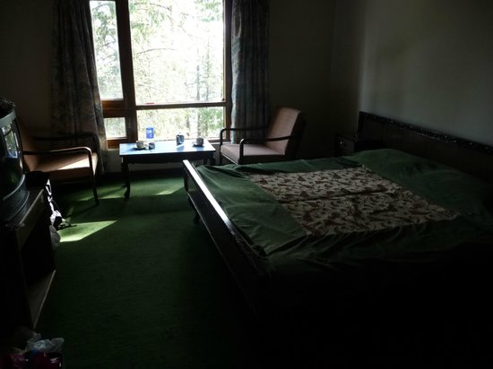 Hotel Hatu: Bedroom Outward view