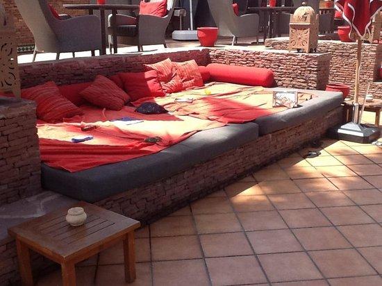 Matelas piscine picture of sofitel marrakech lounge and - Piscine sofitel marrakech ...