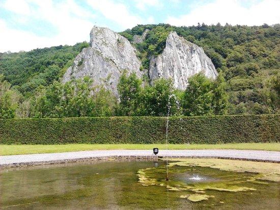 Chateau de Freyr: De spectaculaire rotsen aan de Maas