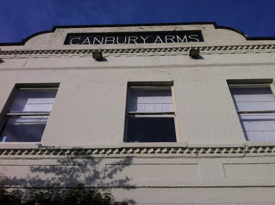The Canbury Arms: Front of the restaurant