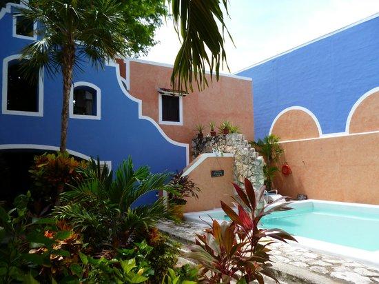 Hotel Casa de las Flores Playa del Carmen: View from the entrance