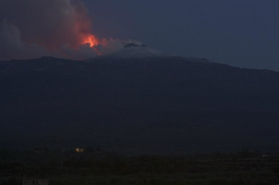 Feudo Vagliasindi: Etna at night