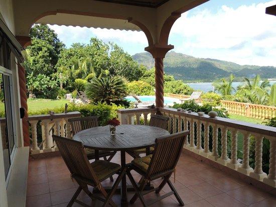 Bay View Villa: terrazza