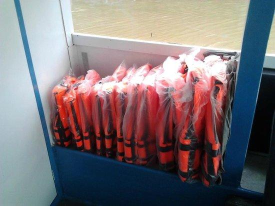 Krabi Fullmoon Tours : Life jackets form junior XS till XXL