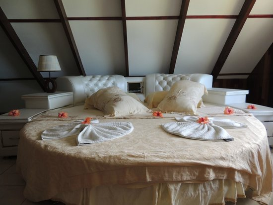 Moon Light Beach Villa: letto