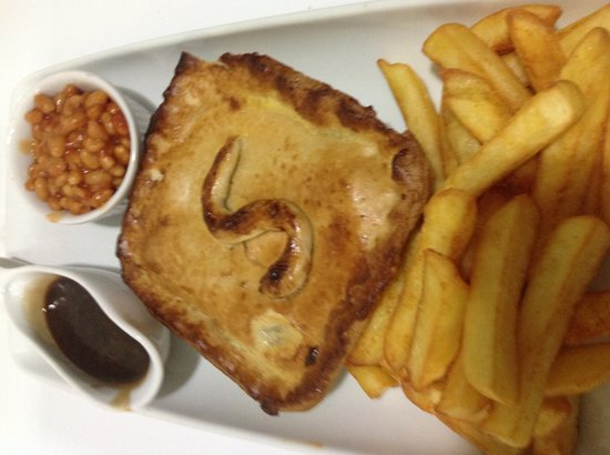 Costa Cafe : Homemade steak pie