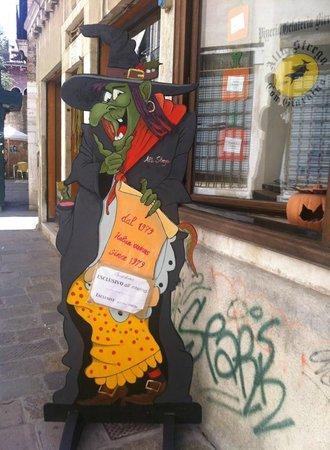 Outside, Pizzeria alla Strega