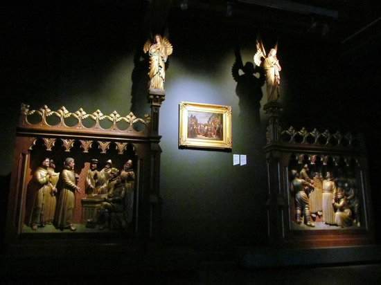 Historisch Museum Den Briel: Brielle Historic Museum, wood work Martyrs of Gorcum