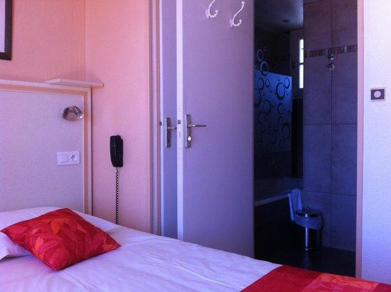 Hostellerie De La Nartelle  Sainte