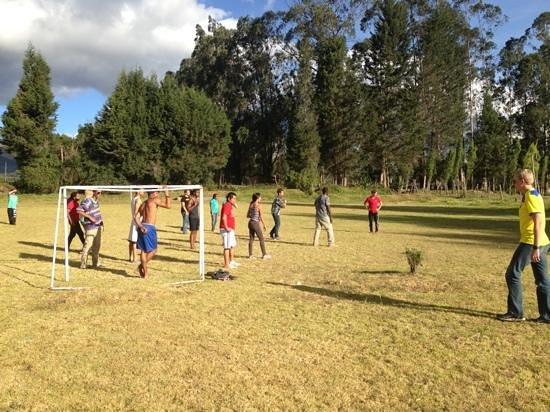 Hosteria San Carlos Tababela: soccer court