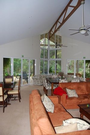 Margaret River Bed & Breakfast: living room