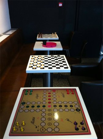Hampshire Designhotel - Maastricht: game tables in the lounge