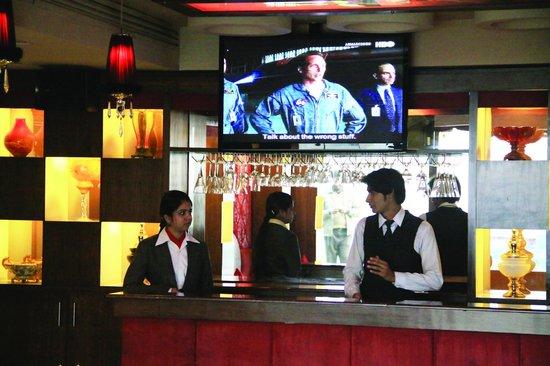 Savoey Hotel Lahore: Velvet Long by Night