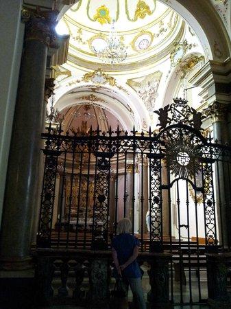 Duomo Santa Maria Assunta e San Berardo: Una cappella laterale
