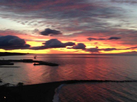 Princesa Playa Hotel Apartamentos: January sunrise from breakfast room