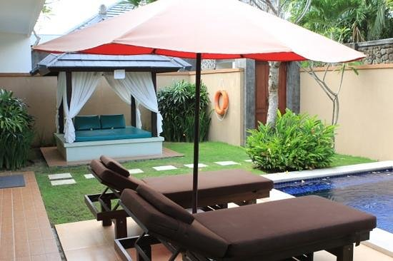 Bali Yubi Villa: outside area with private pool