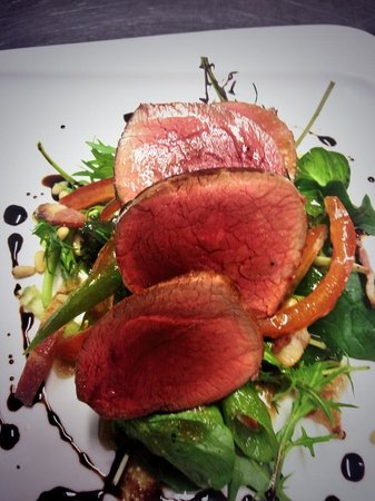 Valley d'Vine Restaurant: Seared venison