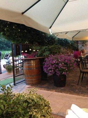 Antica Osteria Corte Calcina: entrata ristorante