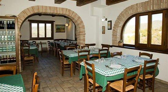 Agriturismo Valle Tezze : Sala Ristorante