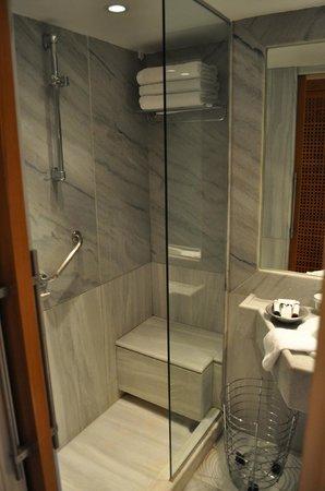 The Margi : Shower