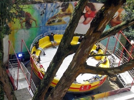 Cidade da Crianca: divertimento tambem para os maiores
