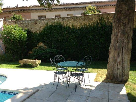 Le Mas d'Escattes : Kleine Sitzgruppe z.B. für Lunch am Pool