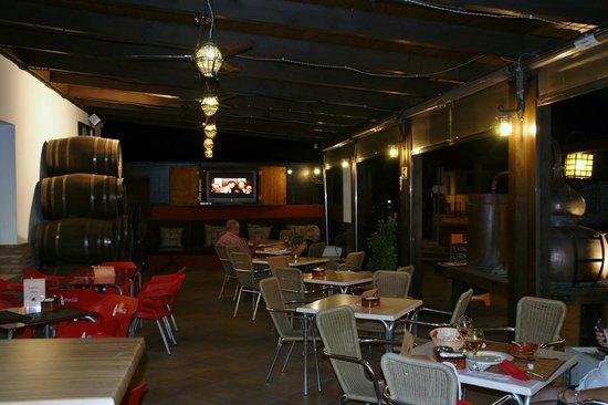 Hotel Los Galanes: Terraza del Hotel y del restaurante